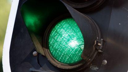 Ambulanciers kunnen verkeerslicht zelf op groen zetten op slim kruispunt in Antwerpen