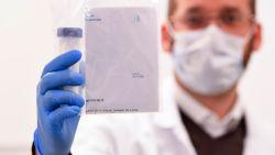"""Experts hebben oplossing om economie te redden: """"Test wie immuun is voor virus"""""""
