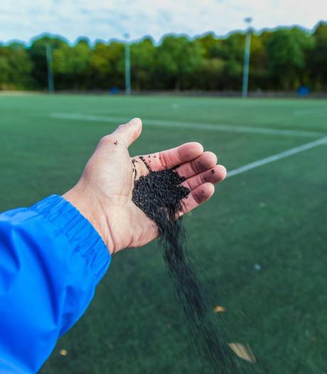 Zorgen over bodemkwaliteit bij kunstgras Deventer sportvelden