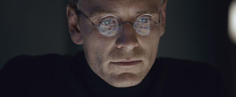 Michael Fassbender in Steve Jobs. Beeld