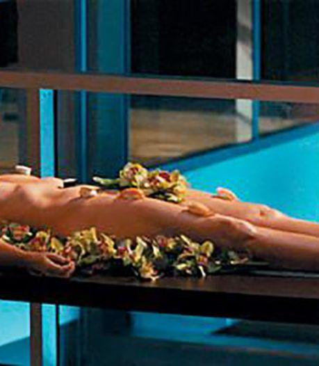 Présenter des sushis sur son corps nu, un business juteux