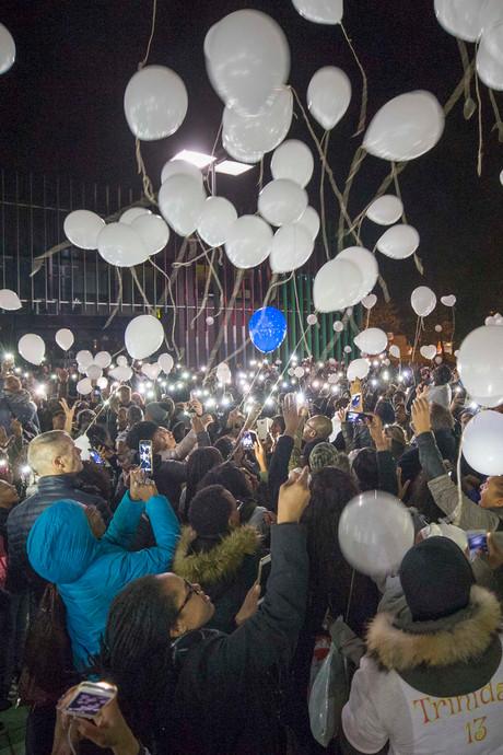 Stille tocht voor Ezra in Goes trekt honderden mensen