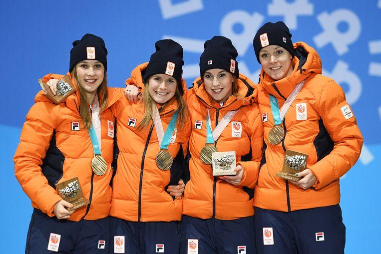 De bronzen ploeg van de spelen in 2018, met (van links naar rechts) Suzanne Schulting, Yara van Kerkhof, Lara van Ruijven en Jorien ter Mors. Beeld Hollandse Hoogte/EPA