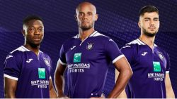 FOTO. Dit zijn de nieuwe shirts van Anderlecht (en Kompany speelt met rugnummer 4)