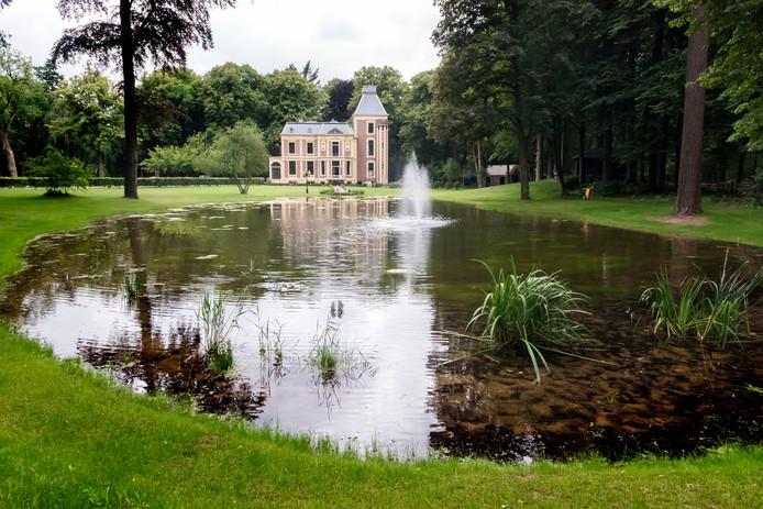 De tuin van het Landgoed Groot Spriel is opgeknapt, na de zomer volgt een restauratie van het interieur van het landhuis. Vanaf 2020 komt er zorg voor ouderen met dementie in het monumentale pand.