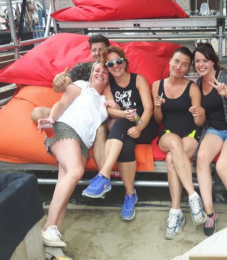 Voorzichtig vakantiegevoel bij eerste weekeinde van 'Schijndel aan Zee'