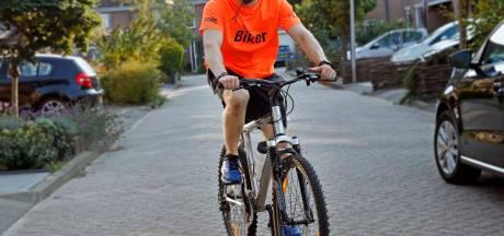 Koen fietst 500 kilometer voor 'vergeten kinderen'