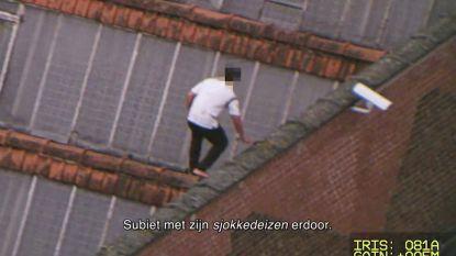 Gevangenen proberen via het dak te ontsnappen in 'De luchtpolitie'