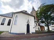 Koffie, kunst, hoop en een boom van troost tijdens het 'open huis' van de Hofkerk in Goor