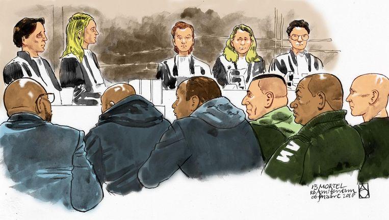 Verdachten (vlnr) Djurgen W., Cedric R, Wendell R., Giovanni D., Benito L en Tony D. tijdens een zittingsdag vorige week. Beeld anp