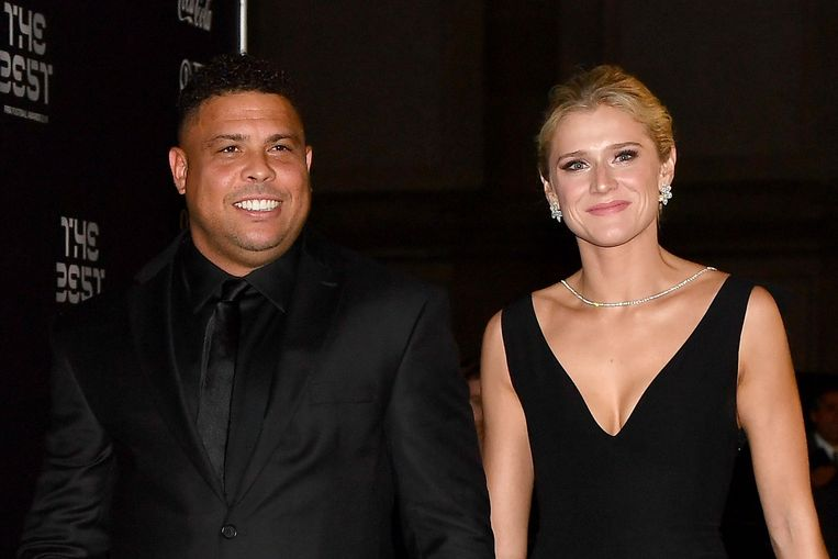 De Braziliaanse Ronaldo en partner Celina Locks
