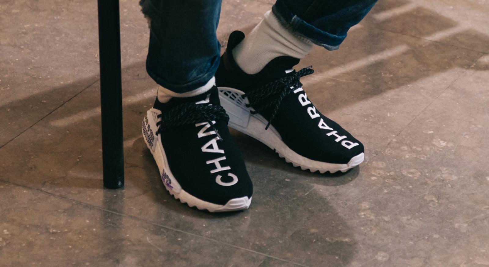 De Chanel x Pharrell x adidas NMD Hu.