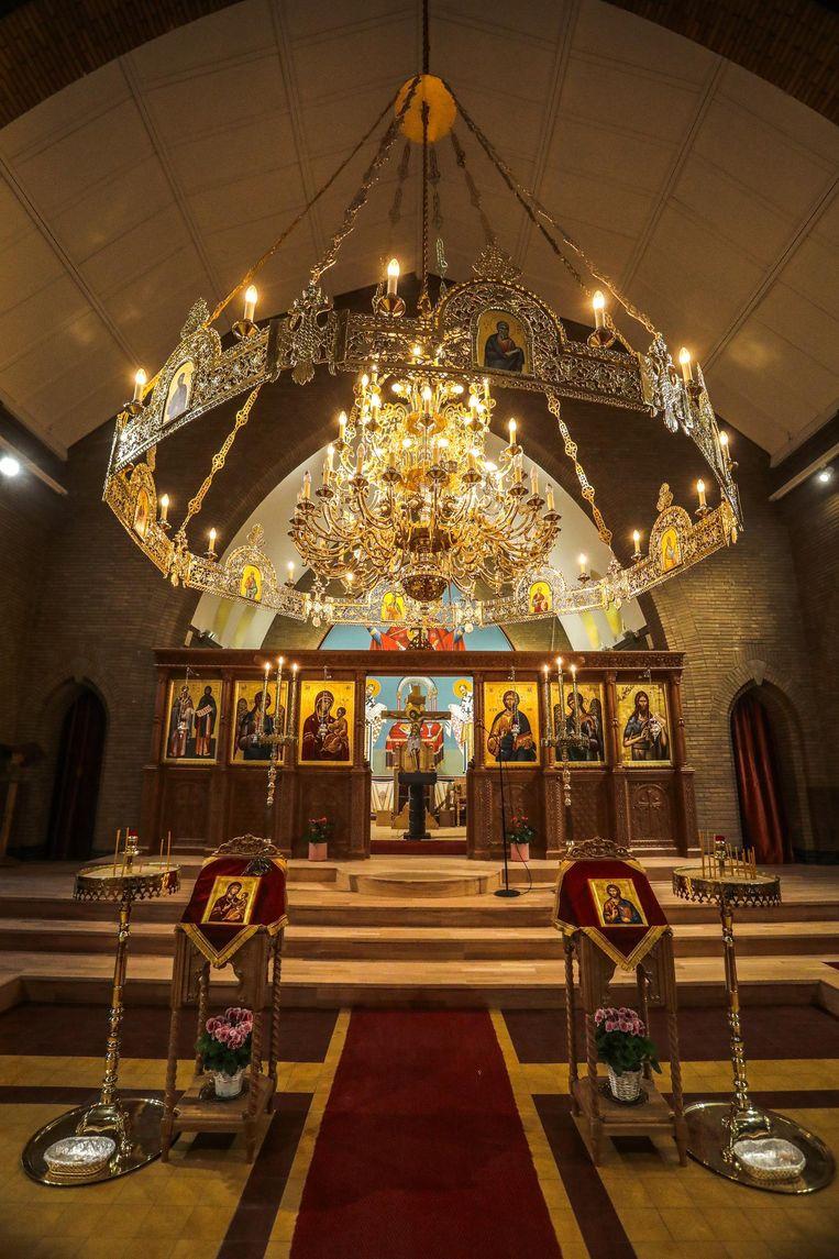 Orthodoxe symbolen sieren de Kerk van de Heiligen Konstantijn en Helena.