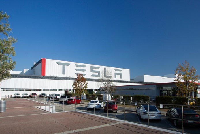 De Model 3 wordt gebouwd in de Tesla-fabriek in het Californische Fremont, vlakbij San Francisco.