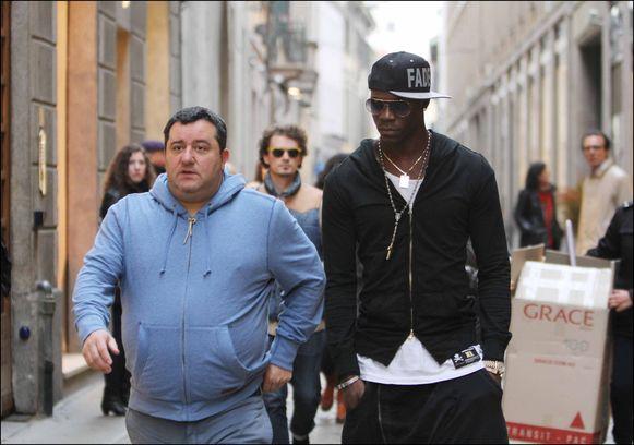 Makelaar Mino Raiola met Mario Balotelli.