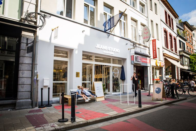 Jeans Studio Jack & Jones in de Walpoortstraat