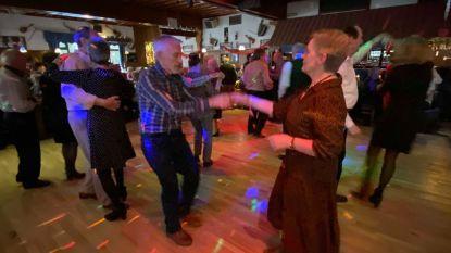 """Senioren gaan uit de bol op valentijnsfuif: """"Het plezier straalt van ieders gezicht"""""""
