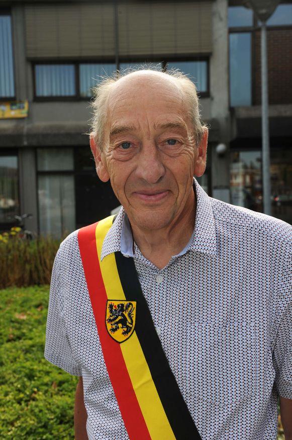 Burgemeester Edward De Wit wil ook de komende zes jaar de sjerp omgorden.