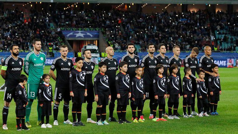 Het elftal van FC Qarabag Agdam voorafgaand aan de Champions League-wedstrijd tegen AS Roma. Beeld epa