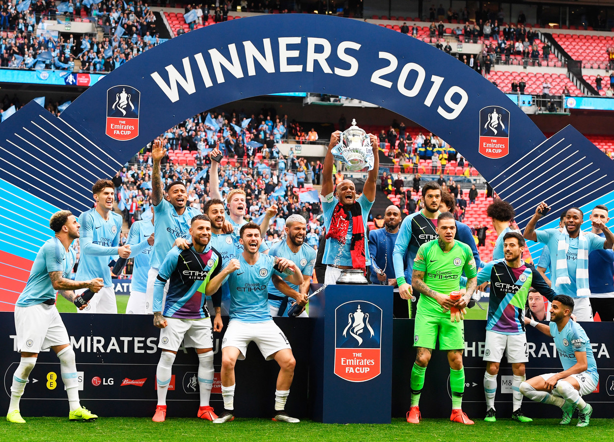Quatre titres, deux FA Cup, deux Coupes de la Ligue: Vincent Kompany laissera une trace indélébile de son passage à Manchester City.