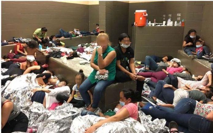 Vrouwen in een opvangcentrum voor migranten in Texas