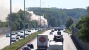 Vrachtwagen vat vuur op E40: uur lang aanschuiven richting kust
