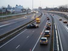 Files rondom knooppunt Hooipolder op A27 en A59 door ongevallen
