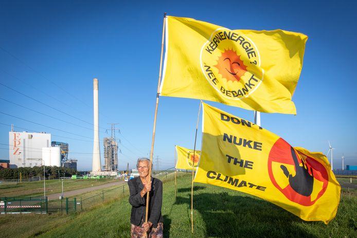 Wise protesteerde 19 juni op de Zeedijk naast de kerncentrale van Borssele tegen kernenergie.