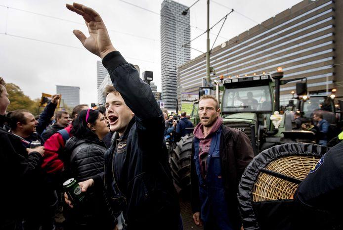 Protesterende boeren bij het Centraal Station in Den Haag