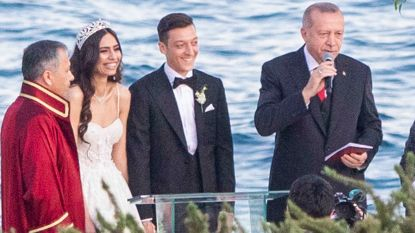 Erdogan getuige op trouw Özil