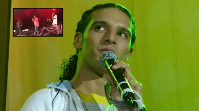 Ali B. rapte speciaal voor Emine, die hem een lift gaf naar het optreden in Ede (inzet).