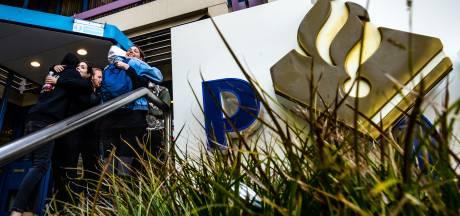 Brandbaar voorwerp tegen politiebureau Eindhoven gegooid, dader gevlucht