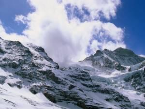 Un randonneur et un alpiniste se tuent dans les Alpes