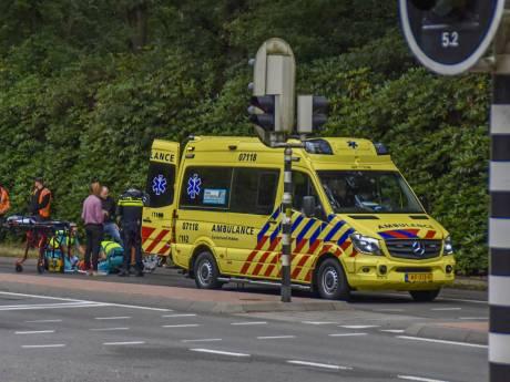 Ernstig ongeval in Doorwerth: fietser zwaargewond door botsing met auto