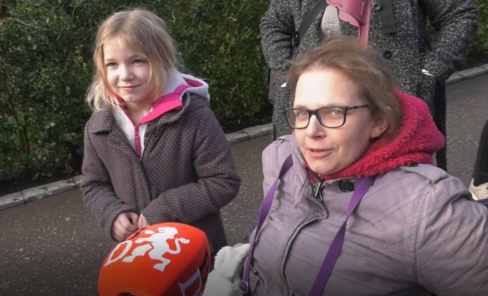 Belgisch gezin wacht op een boutje van de Pyhton voor hun dochter.