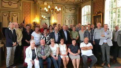 De Plasvissers en Duitse vissersvrienden ontvangen op stadhuis