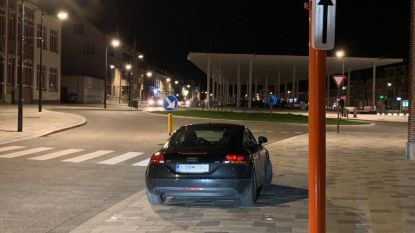 """Burgemeester parkeert op parkeerplaats voor mindervaliden: """"Maar alleen 's avonds als het niemand stoort"""""""