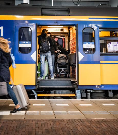 Tot morgenochtend veel minder treinen van en naar Woerden door kapotte bovenleiding