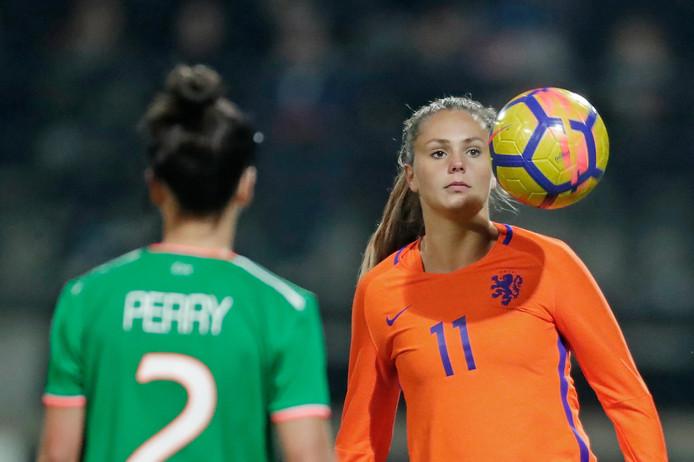 Lieke Martens tijdens de WK-kwalificatiewedstrijd Nederland-Ierland. FOTO ANP SOCCRATES