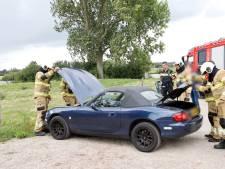 Politie zet Veerstraat in Sint Agatha even af na 'verdachte' autobrand