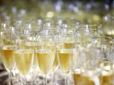 Nederlanders zijn meer champagne gaan drinken