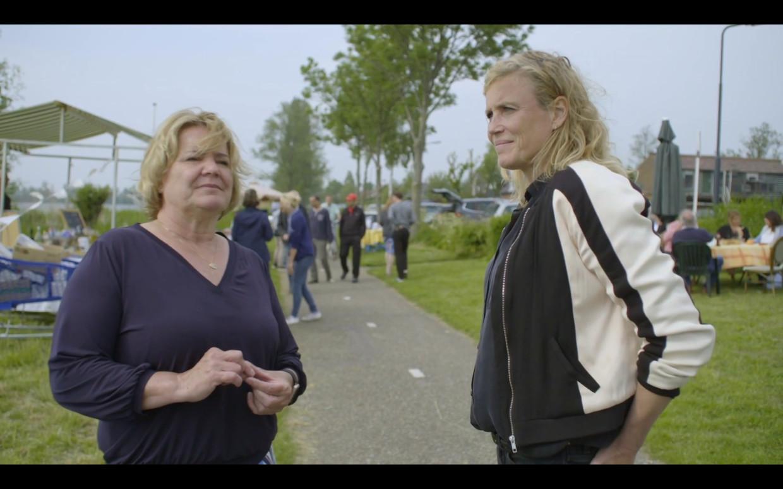 Hilbrand met Saskia Vreeman, bewoner van de Horndijk.