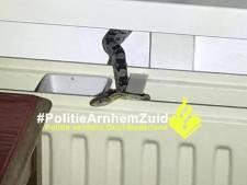 Arnhemse krijgt ongewenst bezoek: slang kruipt over de verwarming in haar huis