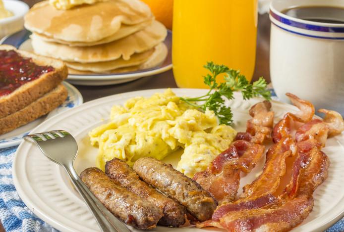 Calorierijk ontbijt met veel verzadigd vet.
