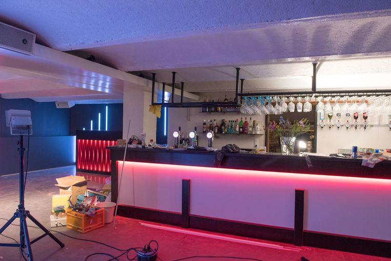 Jeugd krijgt nachtclub in kelders villa portois ronse regio hln - Gevelversiering villa ...