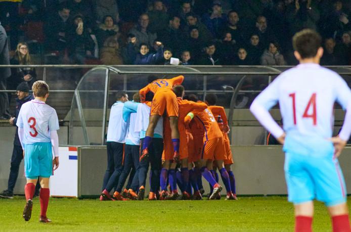 Vreugde na de 2-0 voor  Nederland tegen Turkije bij UDI te Uden.