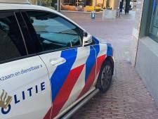 Politie rijdt gezochte crimineel klem die zonder rijbewijs op scooter door Arnhem scheurt