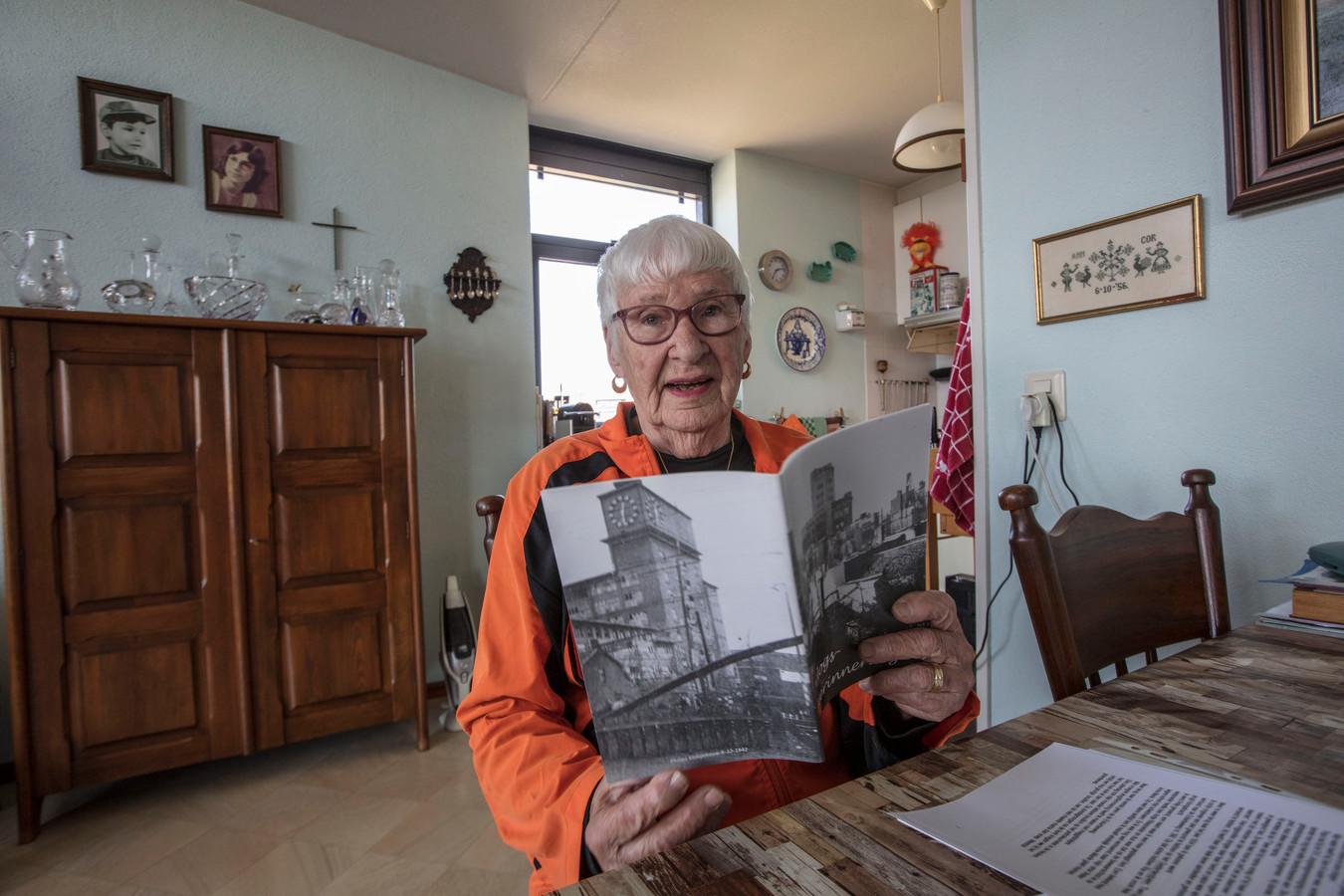Anne-Marie Peters-Vester legde haar oorlogsherinneringen vast in een boekje.