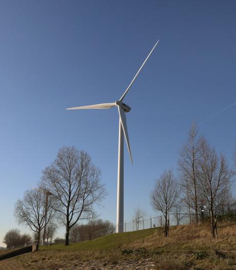 Maximaal vijftal windmolens in Oeverbos