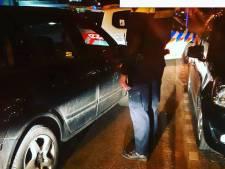 Dronken man gaat ervandoor in gestolen auto en wordt klemgereden in Arnhem